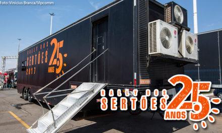 Secretaria de prova do Rally dos Sertões tem carreta da Truckvan como base
