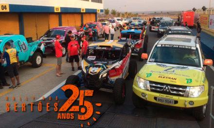 Veículos do Rally dos Sertões são vistoriados antes da largada