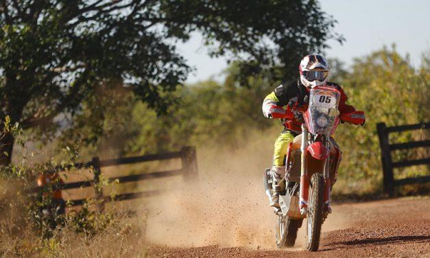 Mineiro vence mais uma especial e assume liderança do Rally dos Sertões