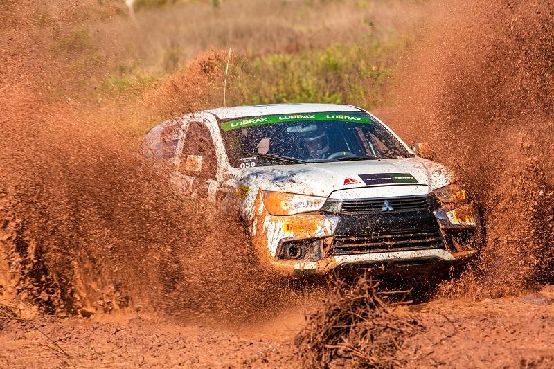 Duplas da Mitsubishi Cup enfrentam muita lama na etapa de Cordeirópolis (SP)
